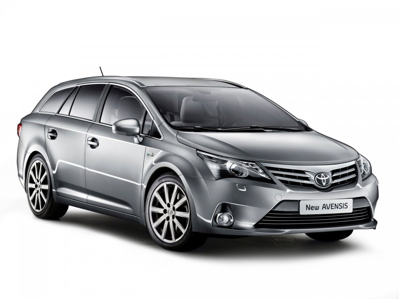 2012-Toyota-Avensis-Wagon-Front-Angle-800x600