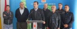 El juez echa para atrás una de las denuncias de los taxistas de Murcia contra la Regulación Horaria